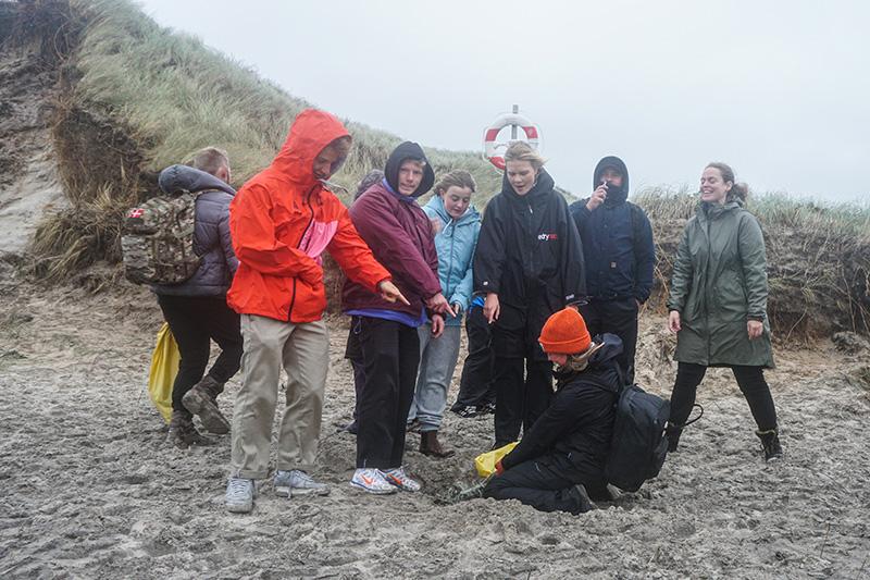 HF-Imagine renser stranden ved Klitmøller